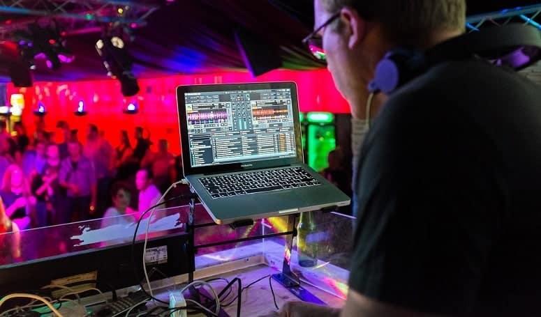 Using Laptop For DJing