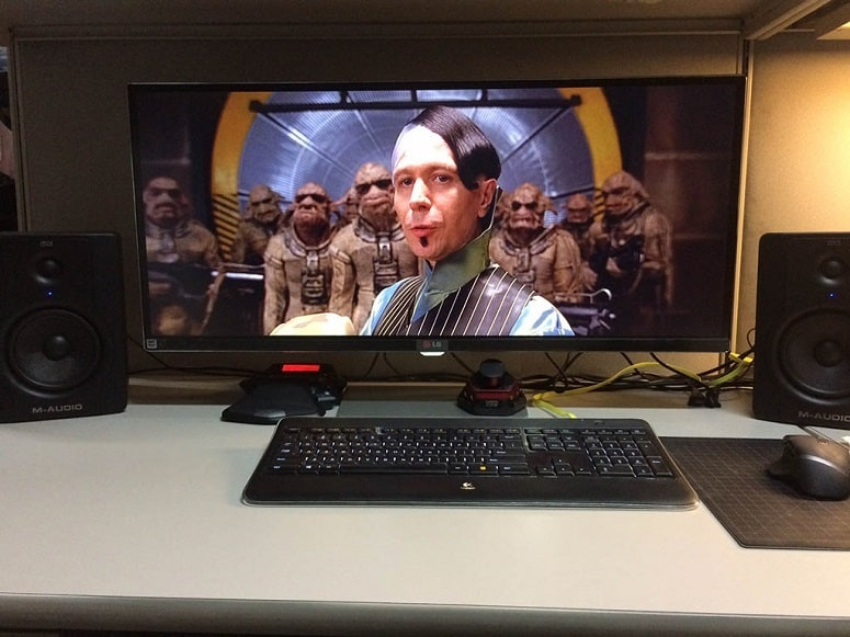 5 Best Monitors For Watching Movies - 2018