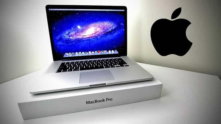 Macbook Pro in Store